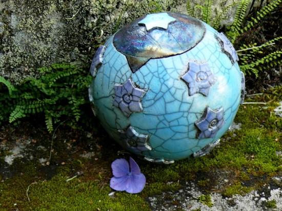 Raku Tierurne aus Keramik
