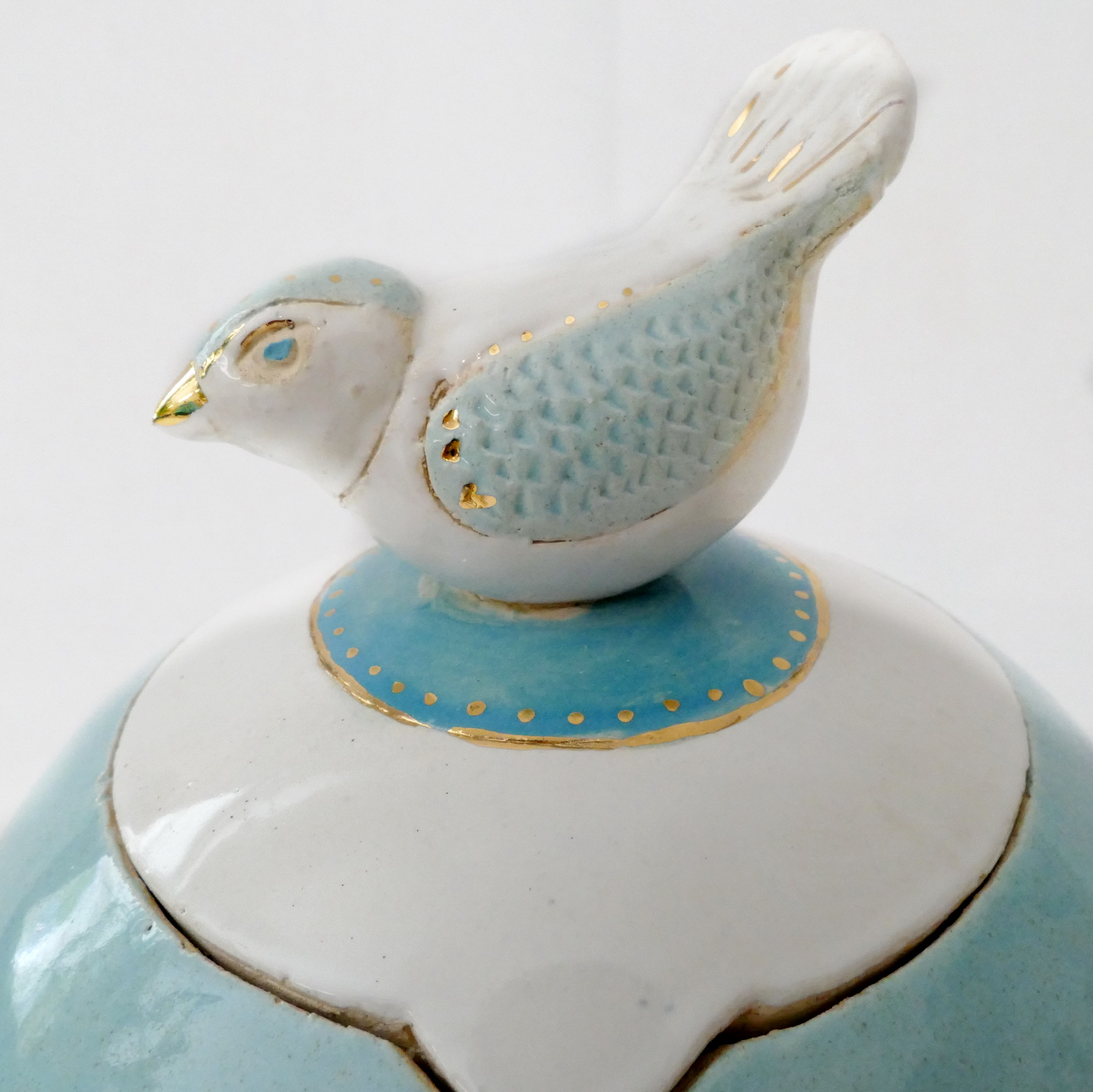 Tierurne Keramikurne